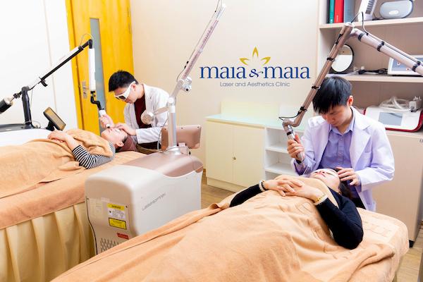 Hình ảnh: Thạc sĩ Bác sĩ Nguyễn Văn Hoàn hỗ trợ điều trị sẹo thâm do mụn