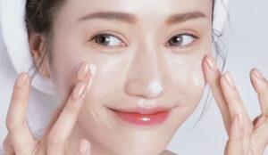 Dùng sữa rửa mặt phù hợp với làn da